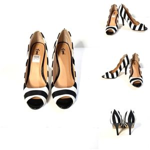 NWT. Black+White Heels
